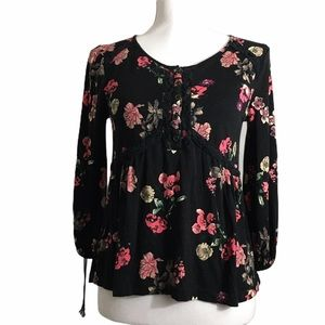 Cloud Chaser floral long sleeve top. Sz XS